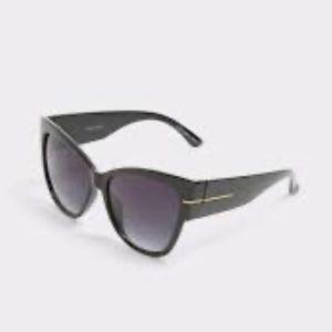Aldo Guwana midnight sunglasses cat euc